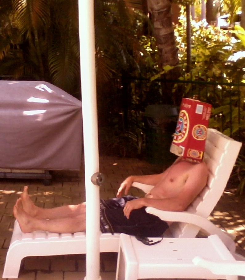 Boxhead by the pool for the wedding